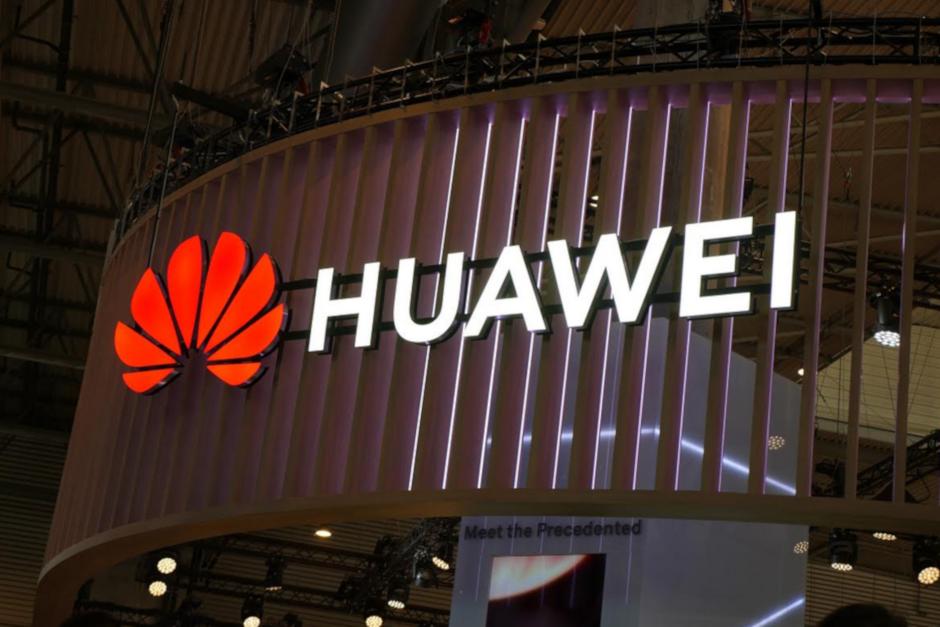 """""""Huawei"""" operacinė sistema """"Ark OS"""""""